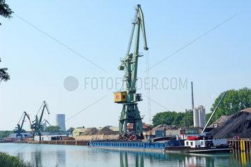 Stadthafen L__nen