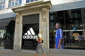 GB  London  Adidas-Spezialboutique