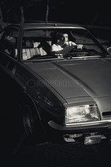 Autofahrer bei Nacht
