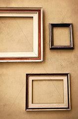 Leere Bilderrahmen an der Wand