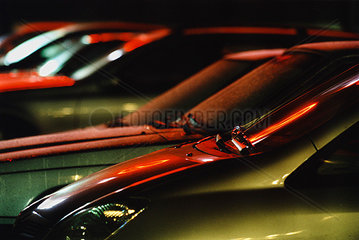 Spiegelung auf Autos