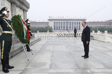 CHINA-BEIJING-PORTUGUESE PRESIDENT-MONUMENT-TRIBUTE (CN)
