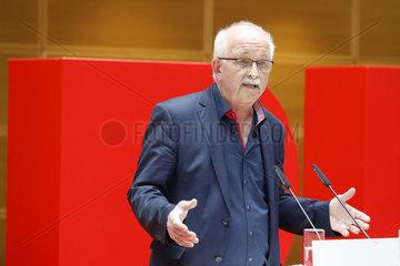 SPD Pressekonferenz und Praesentation der 2. Plakatwelle zur Europawahl  Willy-Brand-Haus
