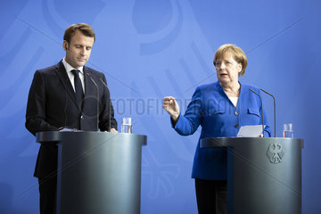 Merkel empfaengt Macron