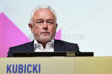 Berlin  Deutschland - Wolfgang Kubicki  stellvertretender Bundesvorsitzender der FDP auf dem Bundesparteitag.