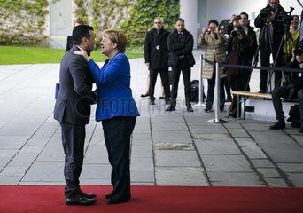 Westbalkantreffen - BK'in Merkel begruesst Zoran Zaev