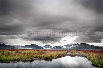 Iceland  ring road  dirt road