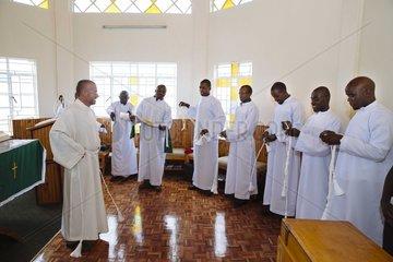 Seminaristen bei Priesterausbildung
