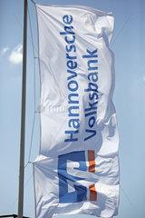 Hannover  Deutschland  Fahne der Hannoverschen Volksbank