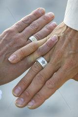 Eheringe  Liebesglueck  Hochzeit