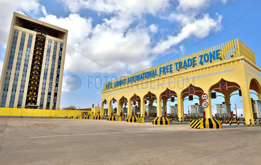 Xinhua Headlines: Chinese-built industrial parks  free trade zones provide new industrialization momentum across Africa