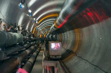 Berlin  Deutschland  Baugleise zur Tunnelbohrmaschine fuer den neuen U-Bahntunnel