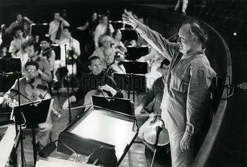 Kurt Masur  Dirigent Gewandhausorchester  Salzburger Festspiele  April 1990
