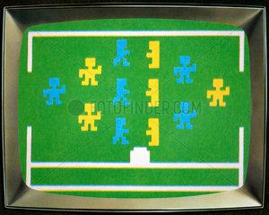 eines der ersten Videospiele  Fussball