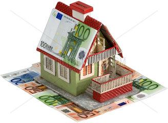 altes Hausmodell  Euroscheine  Hypothekenkrise
