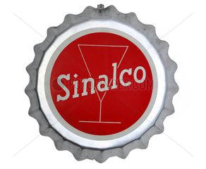 Sinalco Kronkorken als Dekoration  um 1959