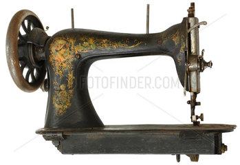 historische Naehmaschine  um 1889