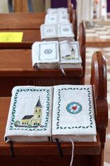 Feld am See  Oesterreich  Gesang- und Gebetsbuecher der Evangelischen Pfarrkirche Feld am See