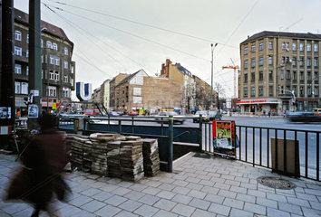 Berlin  Deutschland  U-Bahneingang Rosenthaler Platz