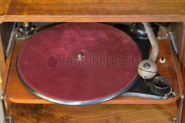 erster Dual Plattenspieler 1927
