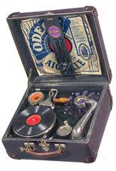 Koffergrammophon  um 1925
