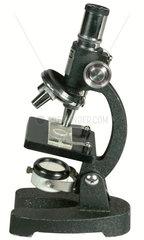 altes Schuelermikroskop  um 1959