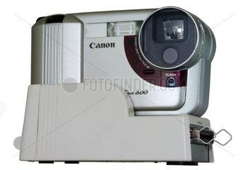 Canon Powershot  eine der ersten Digitalkameras 1996