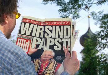 BILD-Schlagzeile Wir sind Papst  2005