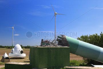 Langengrassau  Deutschland  Abriss einer alten Windkraftanlage
