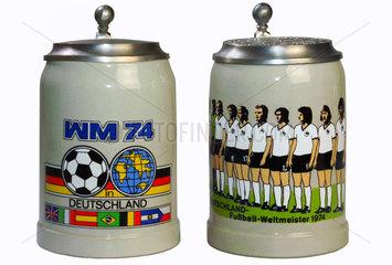 Bierkruege zur Fussball-WM 1974