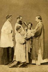 Priester  Heilige Messe  Brighton  um 1873
