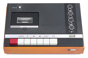 erster Stero Cassettenrecorder der Welt  Philips 1967