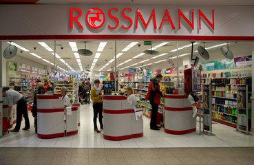 Breslau  Polen  Filiale der deutschen Drogerie-Kette Rossmann
