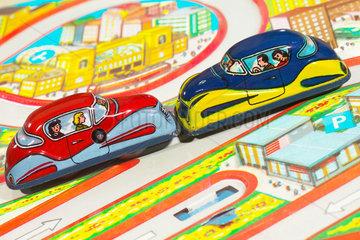 Autounfall  Spielzeugautos  50er Jahre