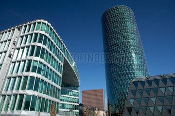 Frankfurt/Main  Deutschland  moderne Buerogebaeude und der Westhafen Tower