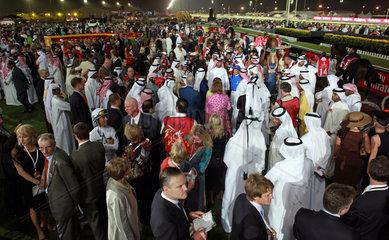 Dubai  Vereinigte Arabische Emirate  Beteiligte am Dubai World Cup im Fuehrring