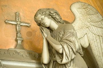 Genua  Italien  Grabskulptur auf dem Monumentalfriedhof Staglieno