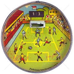 altes Geduldsspiel Fussball  um 1949