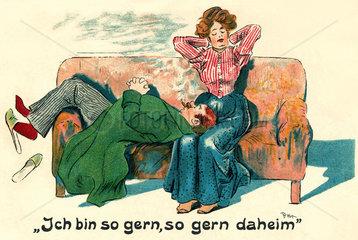 Paar ruht sich auf Sofa aus  Humor  1904