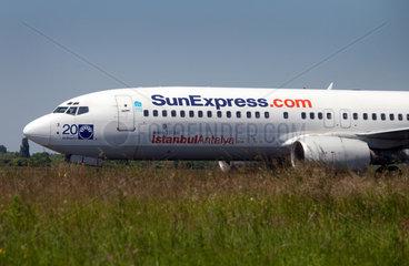 Duesseldorf  Deutschland  ein Flugzeug von SunExpress landet auf dem Flughafen