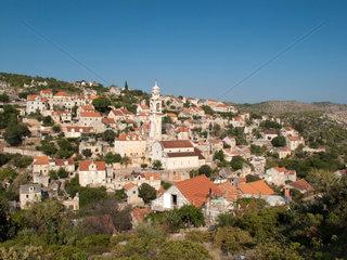 Lozisca  Kroatien  Insel Brac mit dem Bergdorf Lozisca