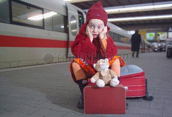 kleines Maedchen will verreisen