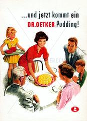 Familie beim Puddingessen  Dr. Oetker Werbung  1959