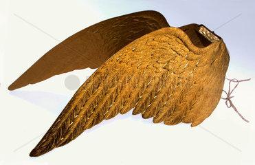 goldene Engelsfluegel  um 1890