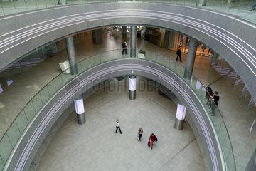 Breslau  Polen  das Atrium des Sky Tower