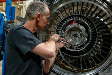 Wildau  Deutschland  Flugzeugmechaniker in der AneCom AeroTest GmbH