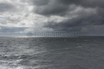 Litauen  Schlechtwetterfront ueber der Ostsee