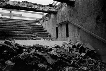 Berlin  Deutschland  aufgebrochener S-Bahn-Eingang Potsdamer Platz