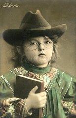 Maedchen als Lehrerin  1908