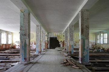 Gross Doelln  Deutschland  Kasernengebaeude auf dem Gelaende des Flugplatz Templin